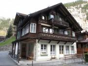 Swiss chalets, Lauterbrunnen